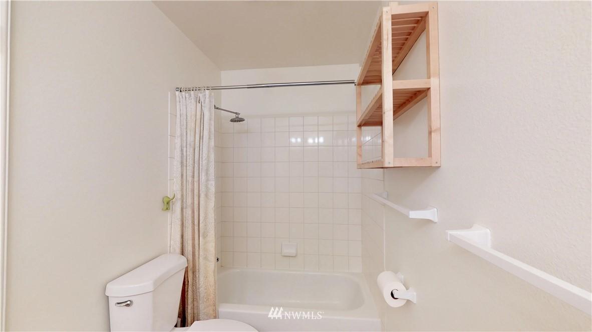 Sold Property | 25235 SE Klahanie Boulevard #F301 Issaquah, WA 98029 20