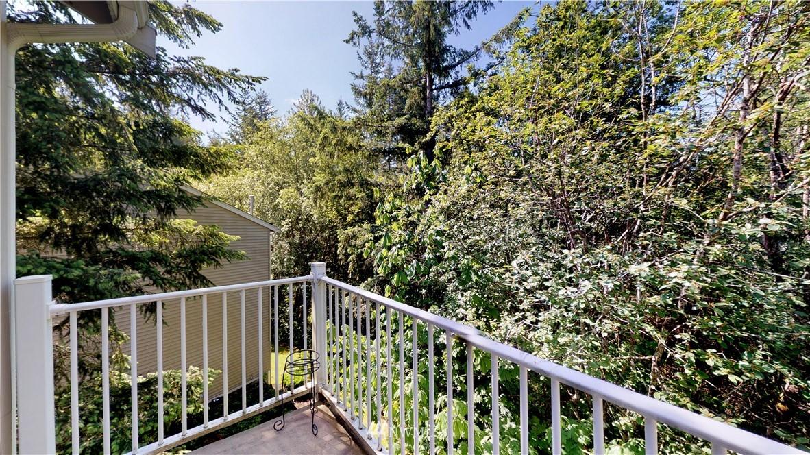 Sold Property | 25235 SE Klahanie Boulevard #F301 Issaquah, WA 98029 21