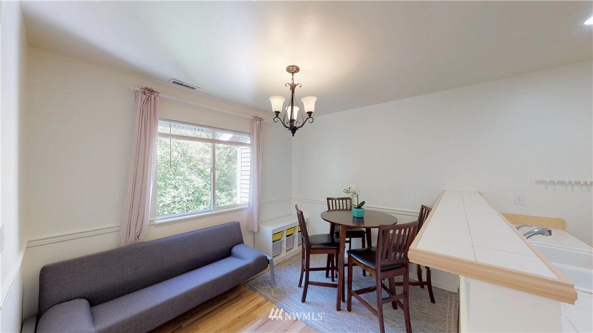 Sold Property | 25235 SE Klahanie Boulevard #F301 Issaquah, WA 98029 8