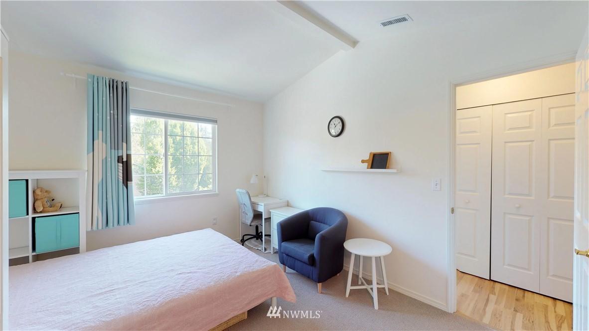Sold Property | 25235 SE Klahanie Boulevard #F301 Issaquah, WA 98029 15