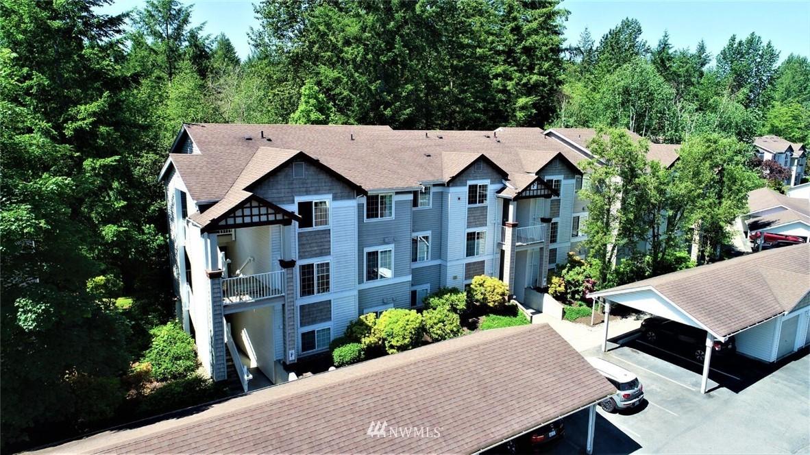Sold Property | 25235 SE Klahanie Boulevard #F301 Issaquah, WA 98029 1