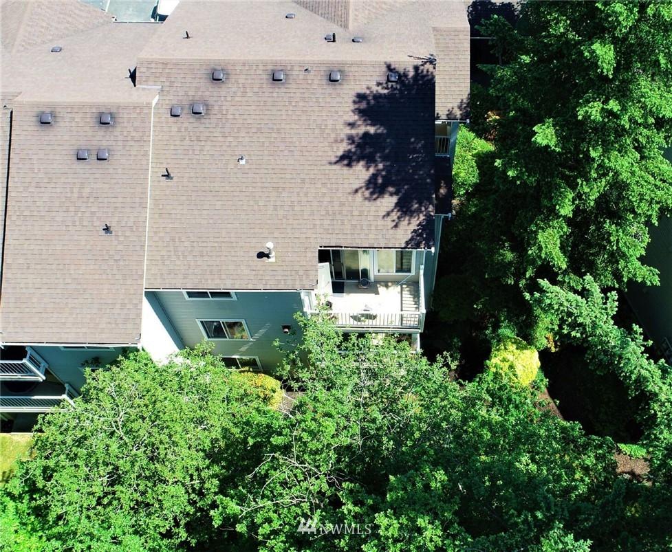 Sold Property | 25235 SE Klahanie Boulevard #F301 Issaquah, WA 98029 24