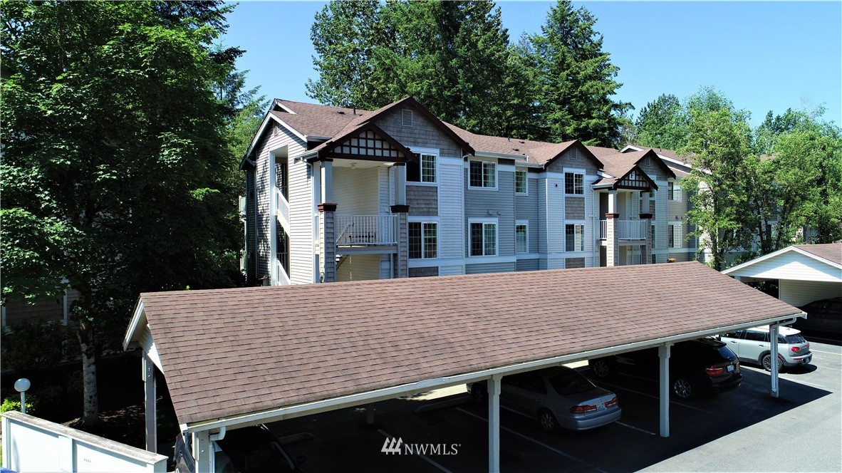 Sold Property | 25235 SE Klahanie Boulevard #F301 Issaquah, WA 98029 22