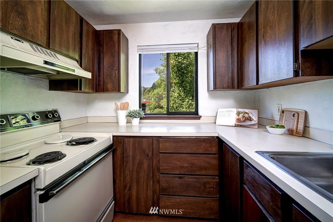 Sold Property | 2100 N 106th Street #401 Seattle, WA 98133 7