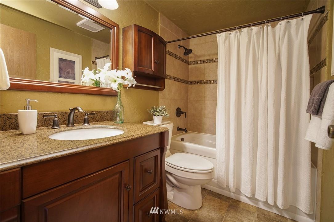 Sold Property | 2100 N 106th Street #401 Seattle, WA 98133 11