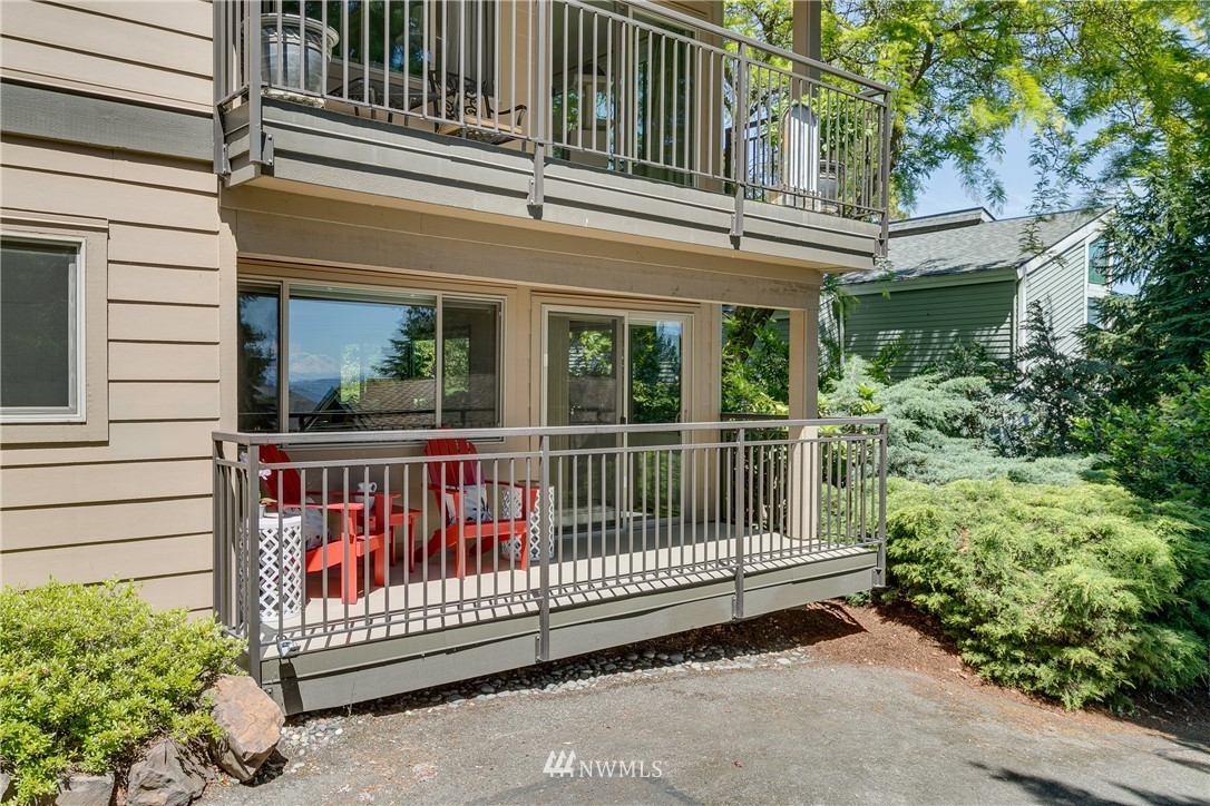 Sold Property | 3820 NE 155th Place #102 Lake Forest Park, WA 98155 10