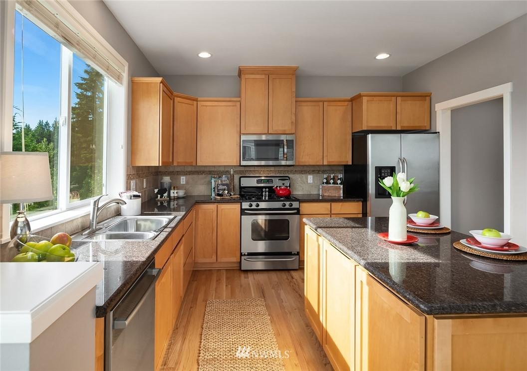 Sold Property | 20908 13th Avenue W Lynnwood, WA 98036 8