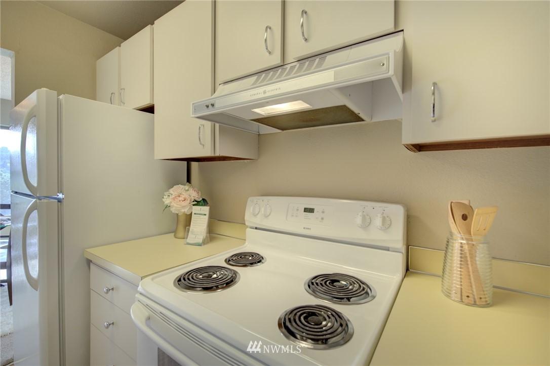 Sold Property   2550 Thorndyke Avenue W #402 Seattle, WA 98199 8