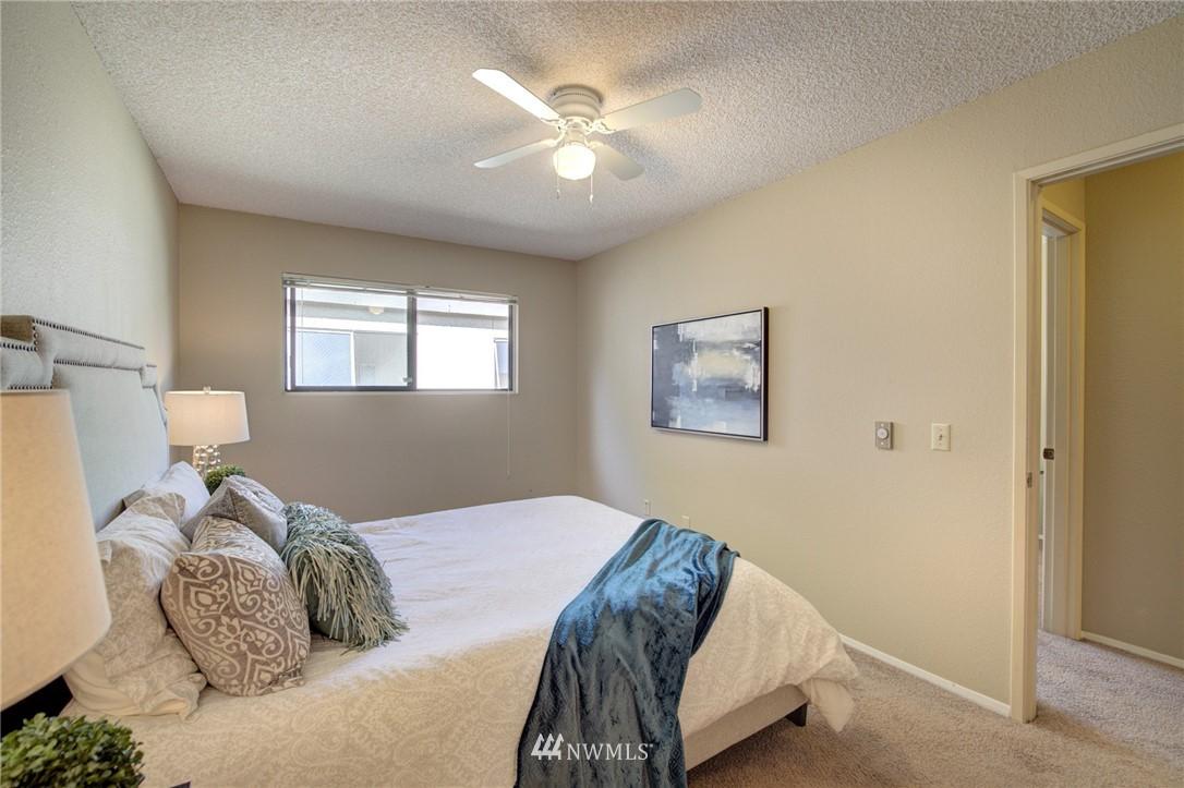 Sold Property   2550 Thorndyke Avenue W #402 Seattle, WA 98199 10