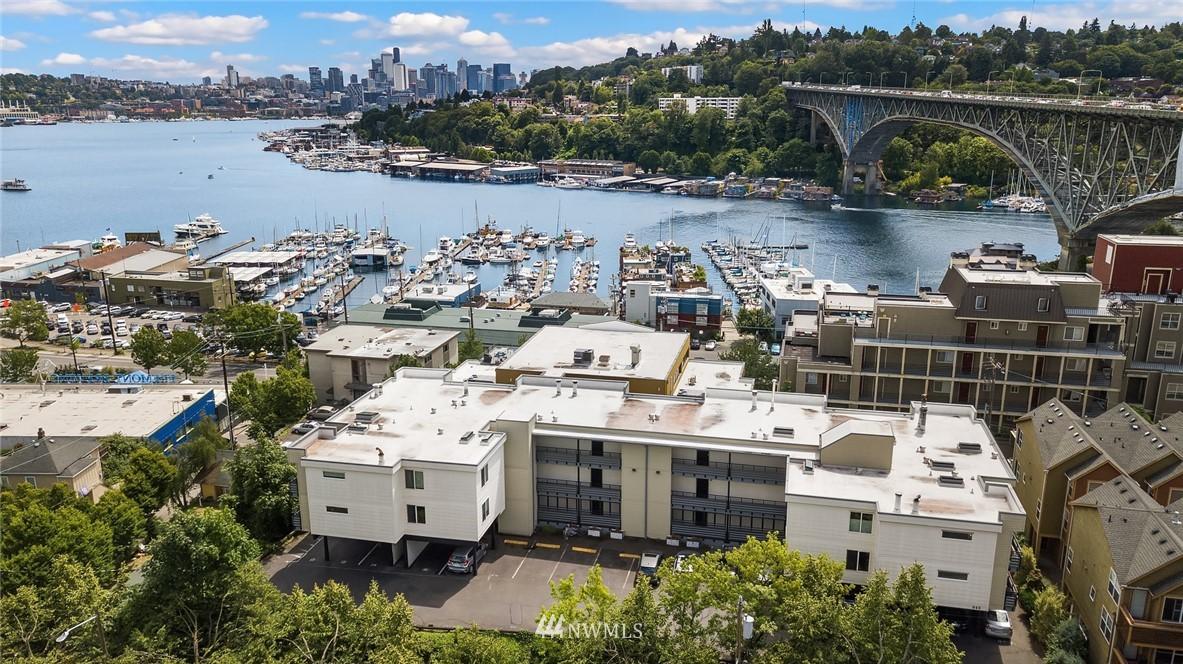 Sold Property   949 N 35th Street #100 Seattle, WA 98103 0