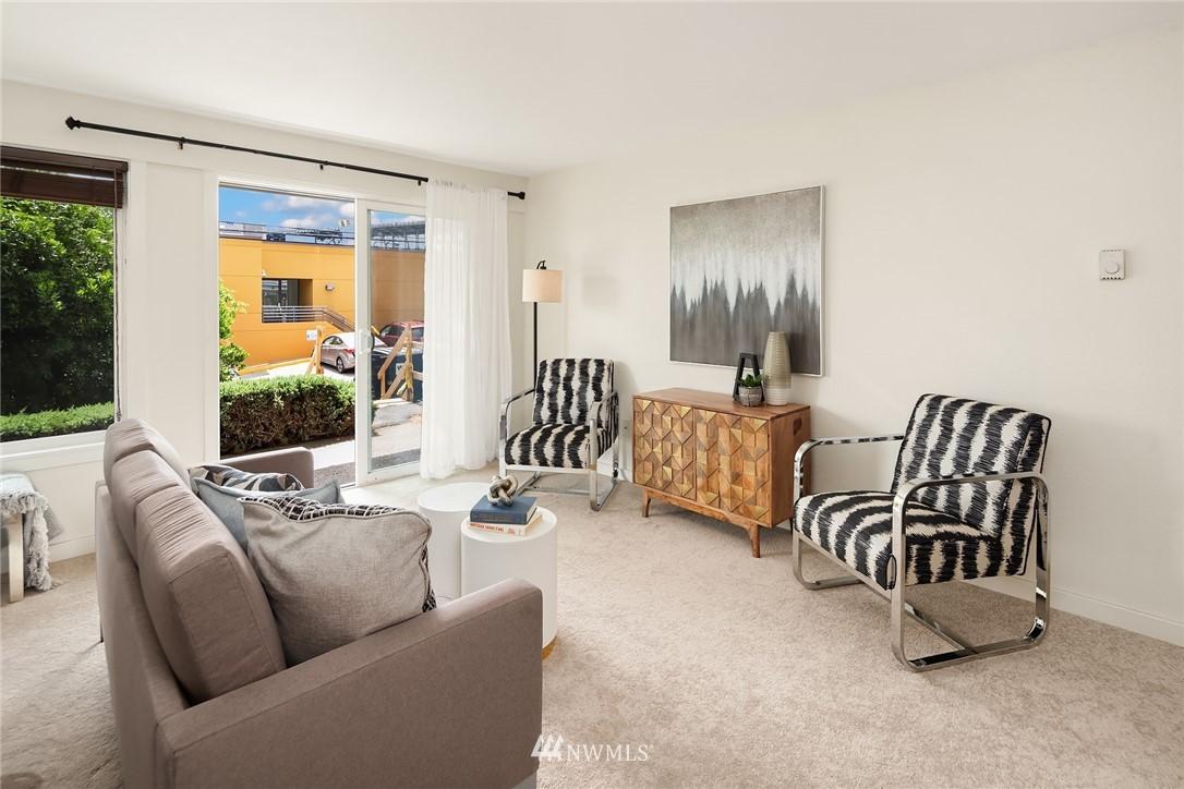 Sold Property   949 N 35th Street #100 Seattle, WA 98103 3