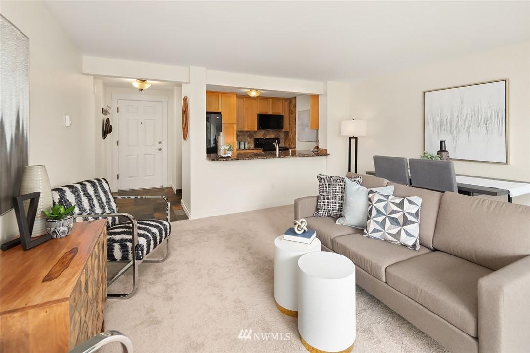 Sold Property   949 N 35th Street #100 Seattle, WA 98103 5