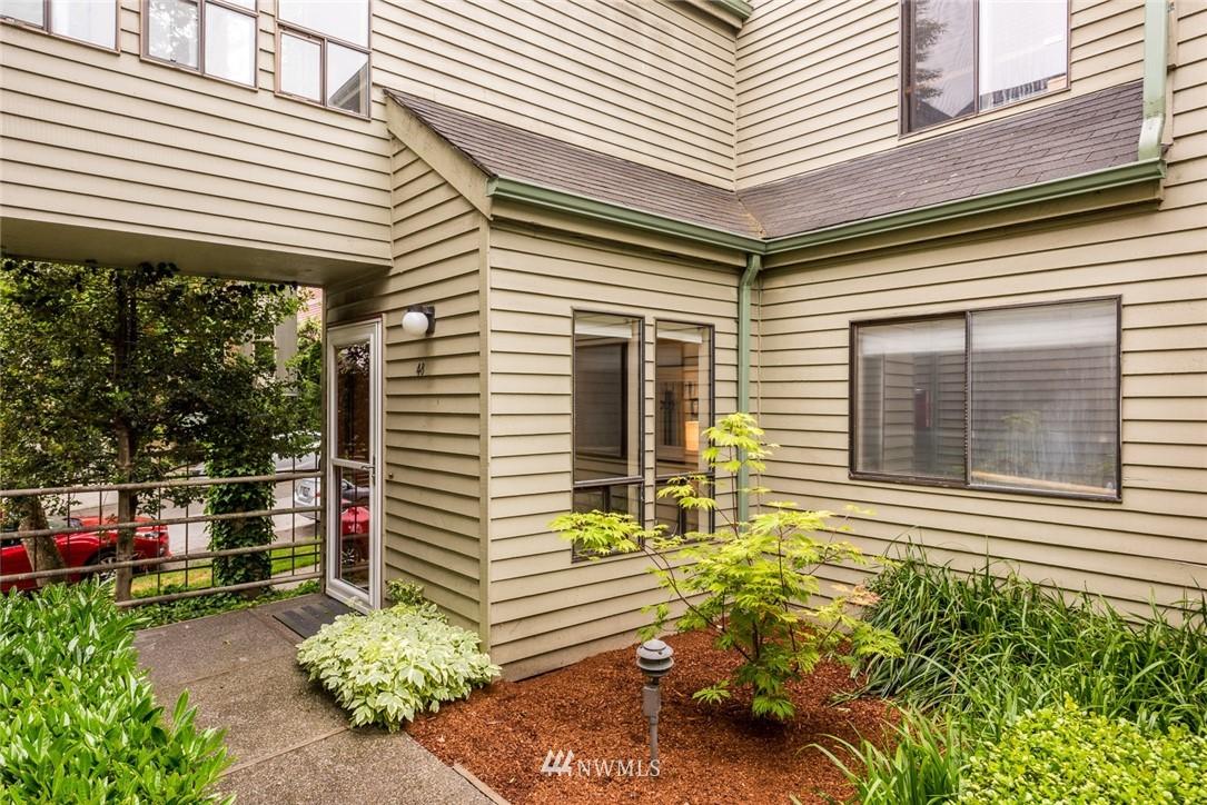 Sold Property | 2001 E Yesler Way #48 Seattle, WA 98122 1