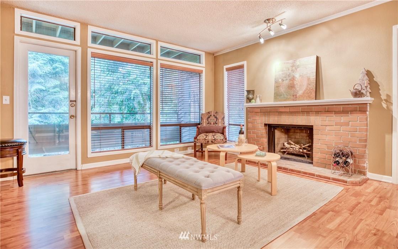 Sold Property | 134 SW 116th Street #H24 Seattle, WA 98146 5