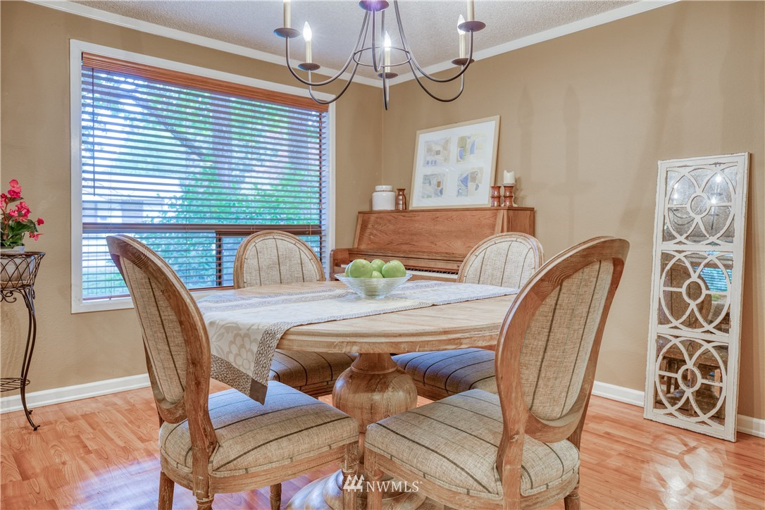Sold Property | 134 SW 116th Street #H24 Seattle, WA 98146 8