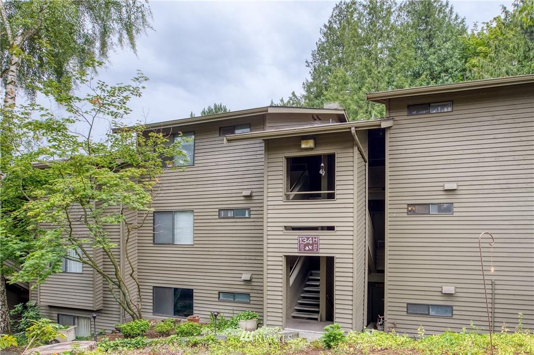 Sold Property | 134 SW 116th Street #H24 Seattle, WA 98146 20