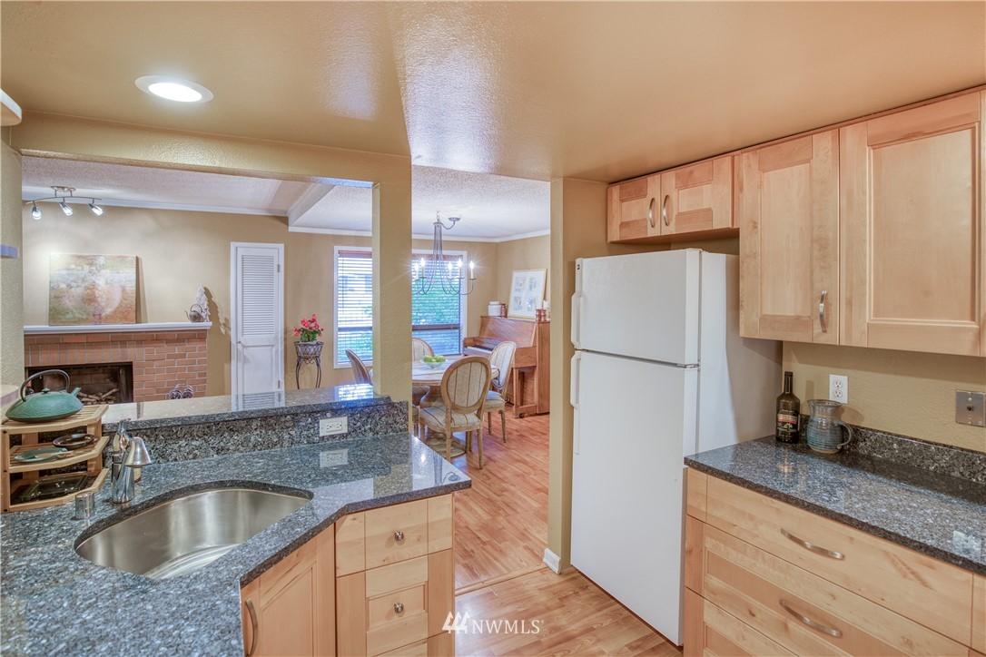 Sold Property | 134 SW 116th Street #H24 Seattle, WA 98146 10