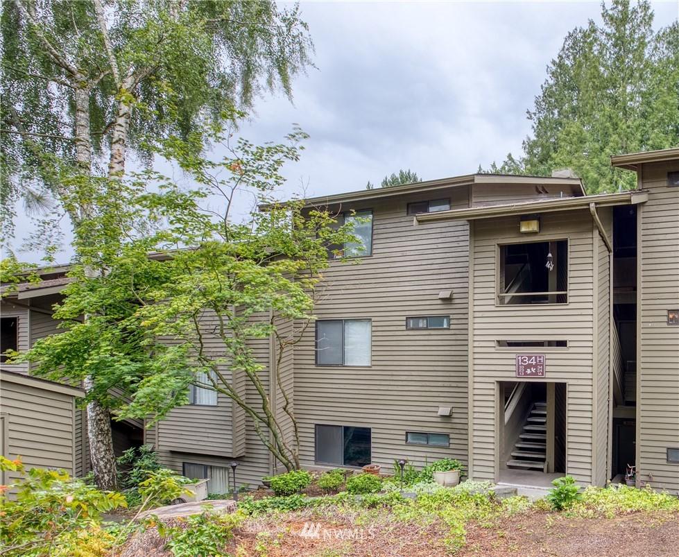 Sold Property | 134 SW 116th Street #H24 Seattle, WA 98146 0