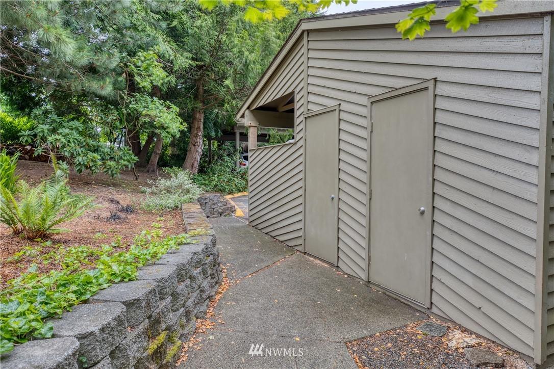 Sold Property | 134 SW 116th Street #H24 Seattle, WA 98146 19