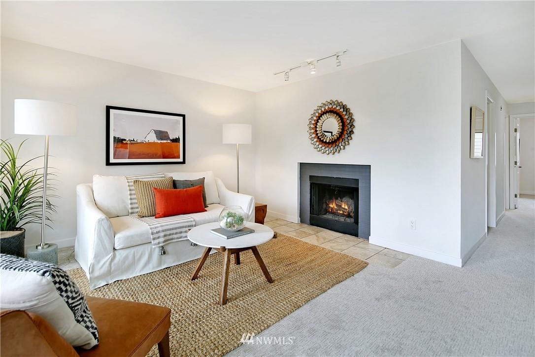 Sold Property | 1311 12th Avenue S #F403 Seattle, WA 98144 4