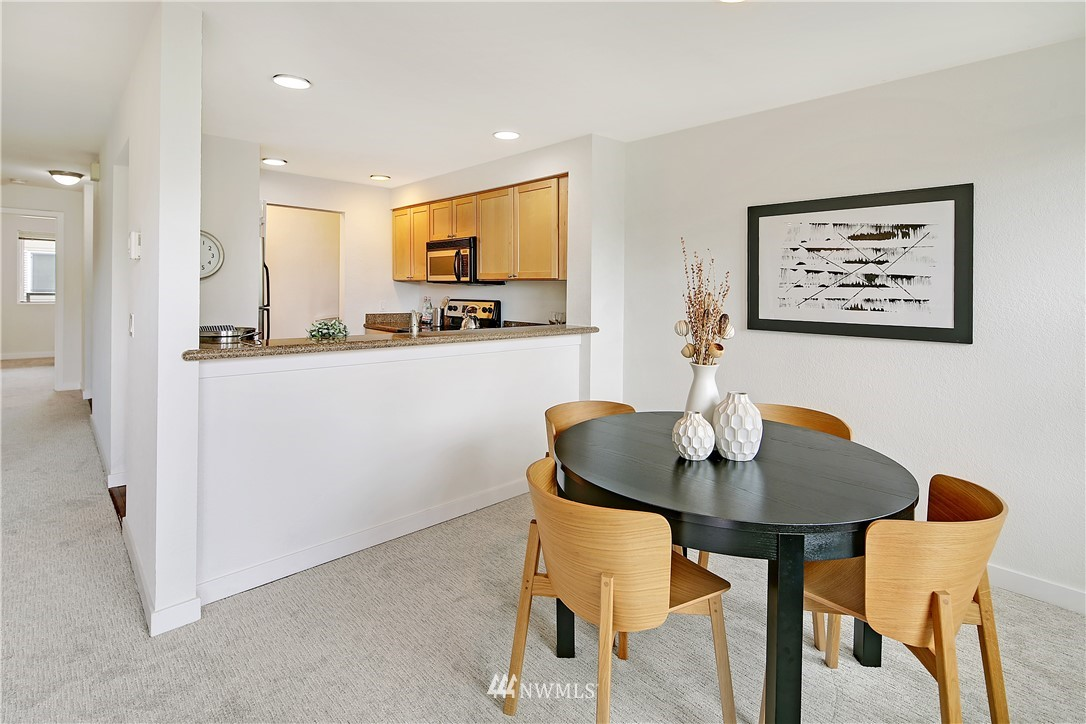 Sold Property | 1311 12th Avenue S #F403 Seattle, WA 98144 8