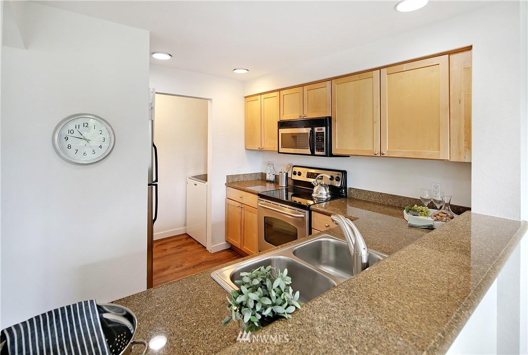 Sold Property | 1311 12th Avenue S #F403 Seattle, WA 98144 9