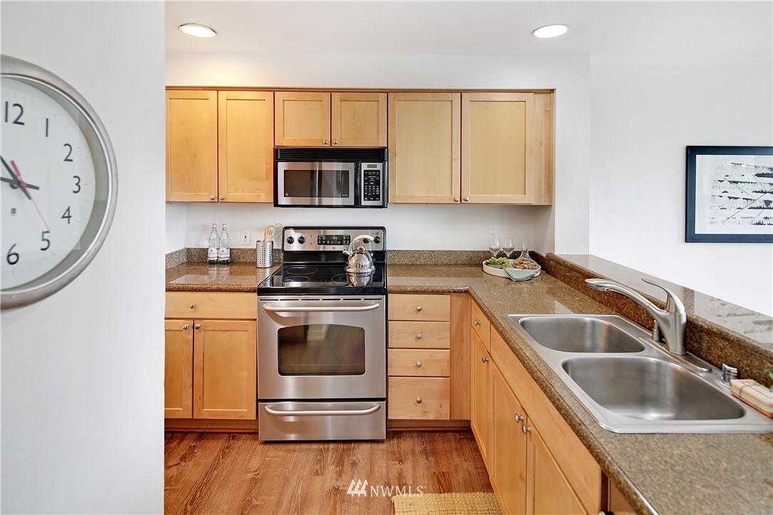 Sold Property | 1311 12th Avenue S #F403 Seattle, WA 98144 12