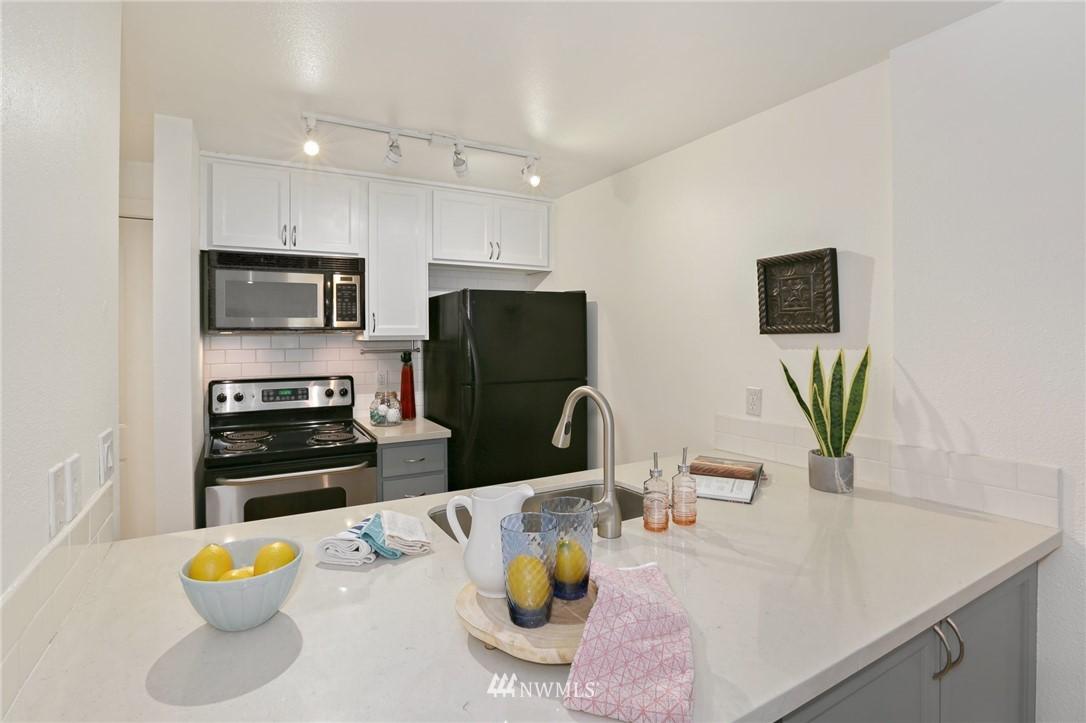 Sold Property   301 W Raye Street #111 Seattle, WA 98119 3