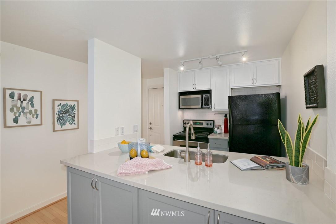 Sold Property   301 W Raye Street #111 Seattle, WA 98119 4