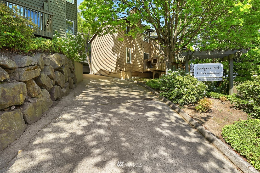 Sold Property   301 W Raye Street #111 Seattle, WA 98119 15