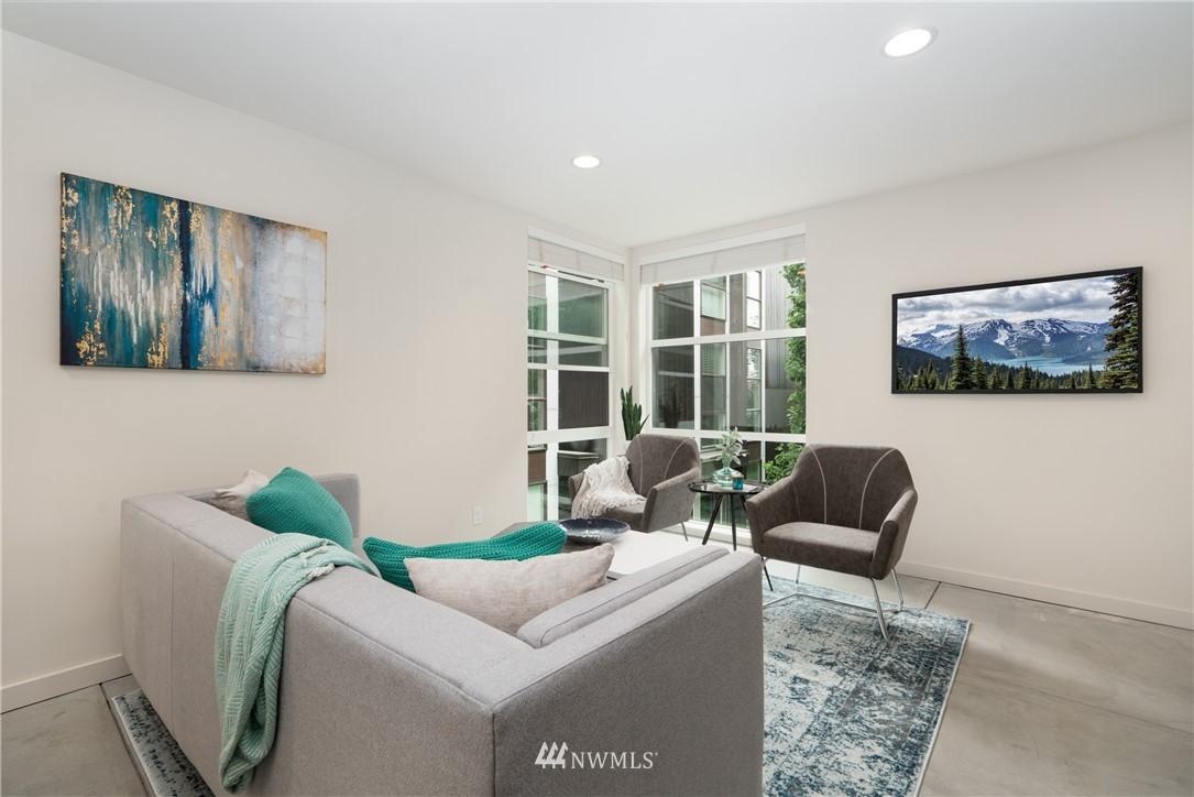 Sold Property   6523 4th Avenue NE #B Seattle, WA 98115 2