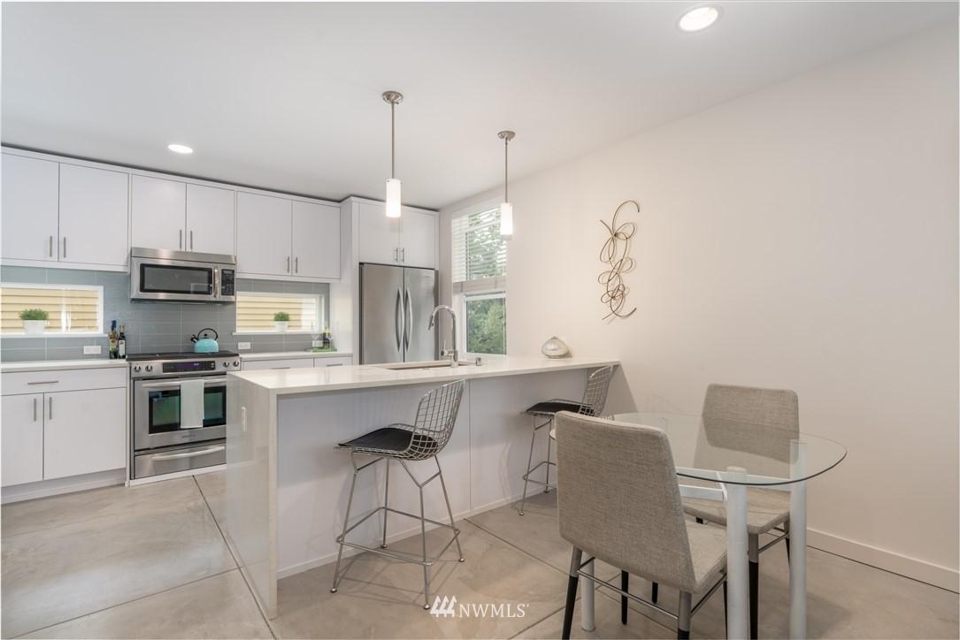 Sold Property   6523 4th Avenue NE #B Seattle, WA 98115 3