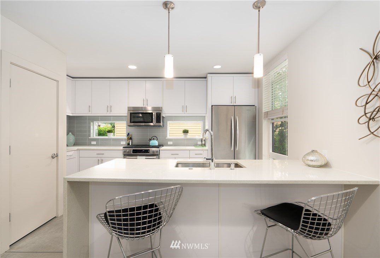 Sold Property   6523 4th Avenue NE #B Seattle, WA 98115 4