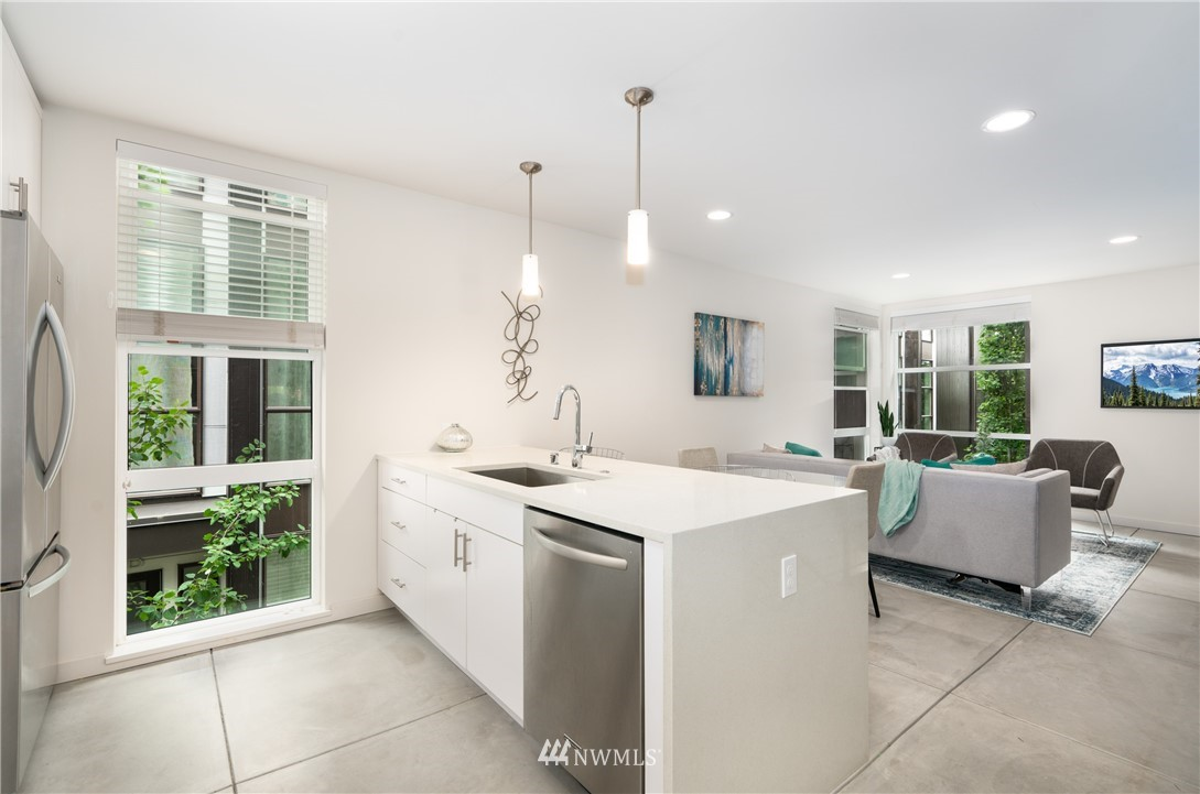 Sold Property   6523 4th Avenue NE #B Seattle, WA 98115 6