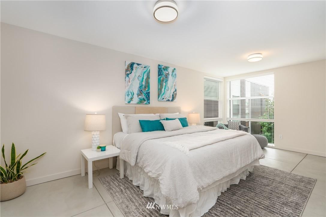 Sold Property   6523 4th Avenue NE #B Seattle, WA 98115 7