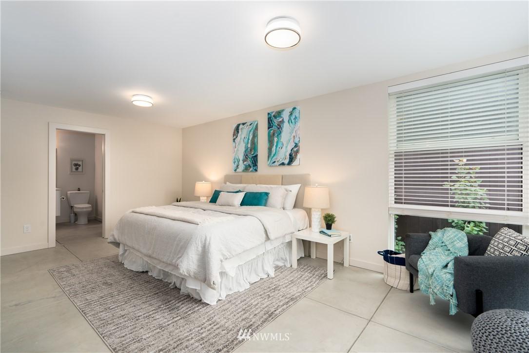 Sold Property   6523 4th Avenue NE #B Seattle, WA 98115 8