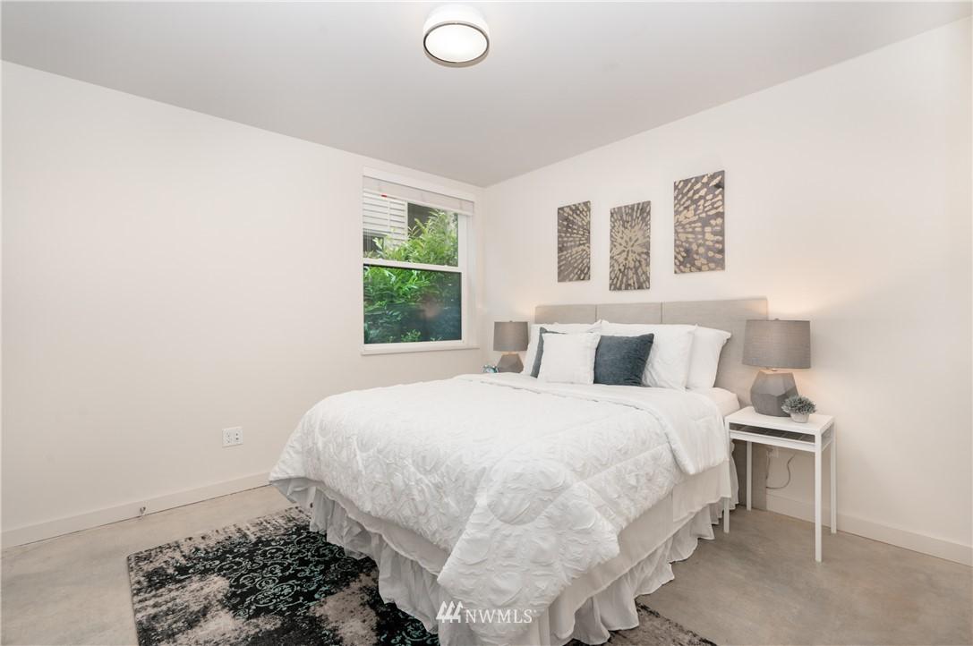 Sold Property   6523 4th Avenue NE #B Seattle, WA 98115 10