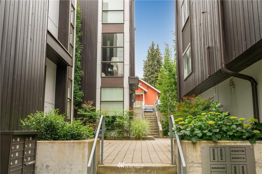 Sold Property   6523 4th Avenue NE #B Seattle, WA 98115 21