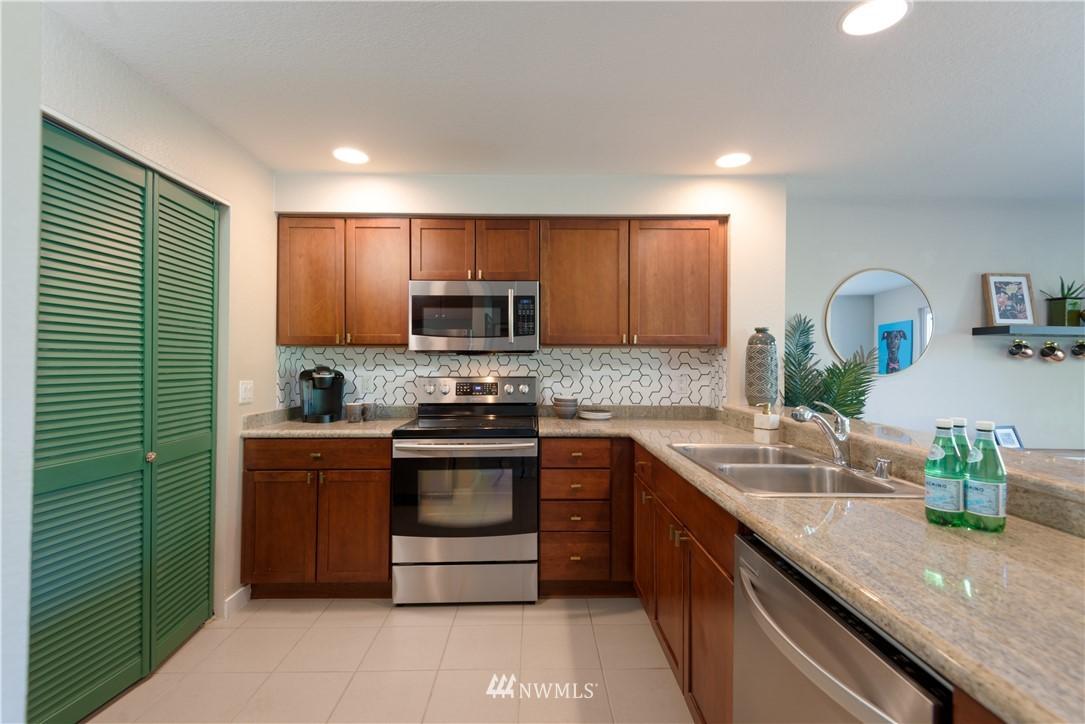 Sold Property | 1311 12th Avenue S #A303 Seattle, WA 98144 5