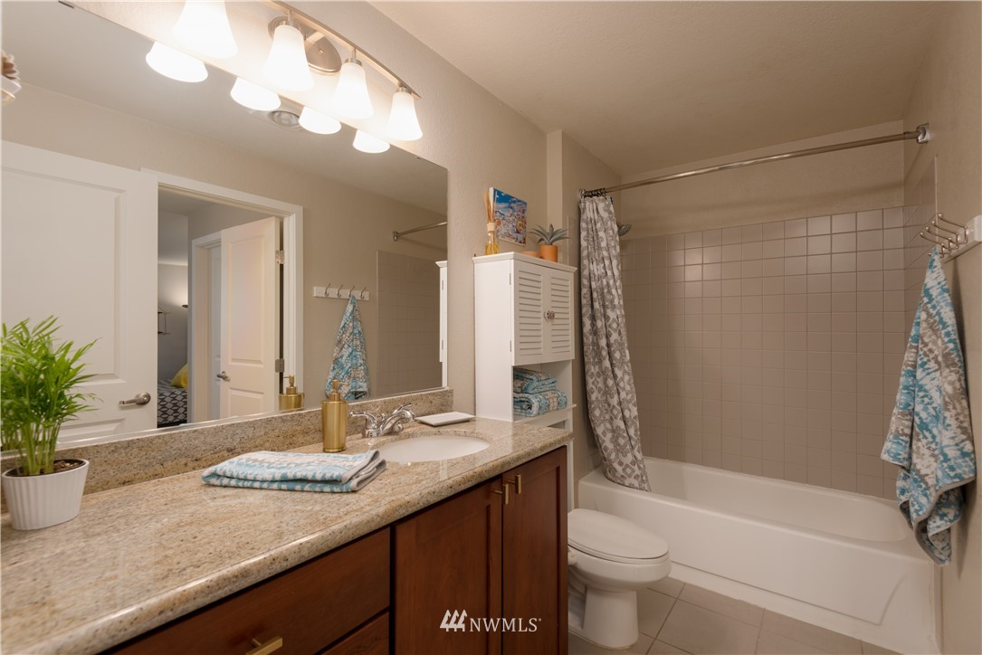 Sold Property | 1311 12th Avenue S #A303 Seattle, WA 98144 11