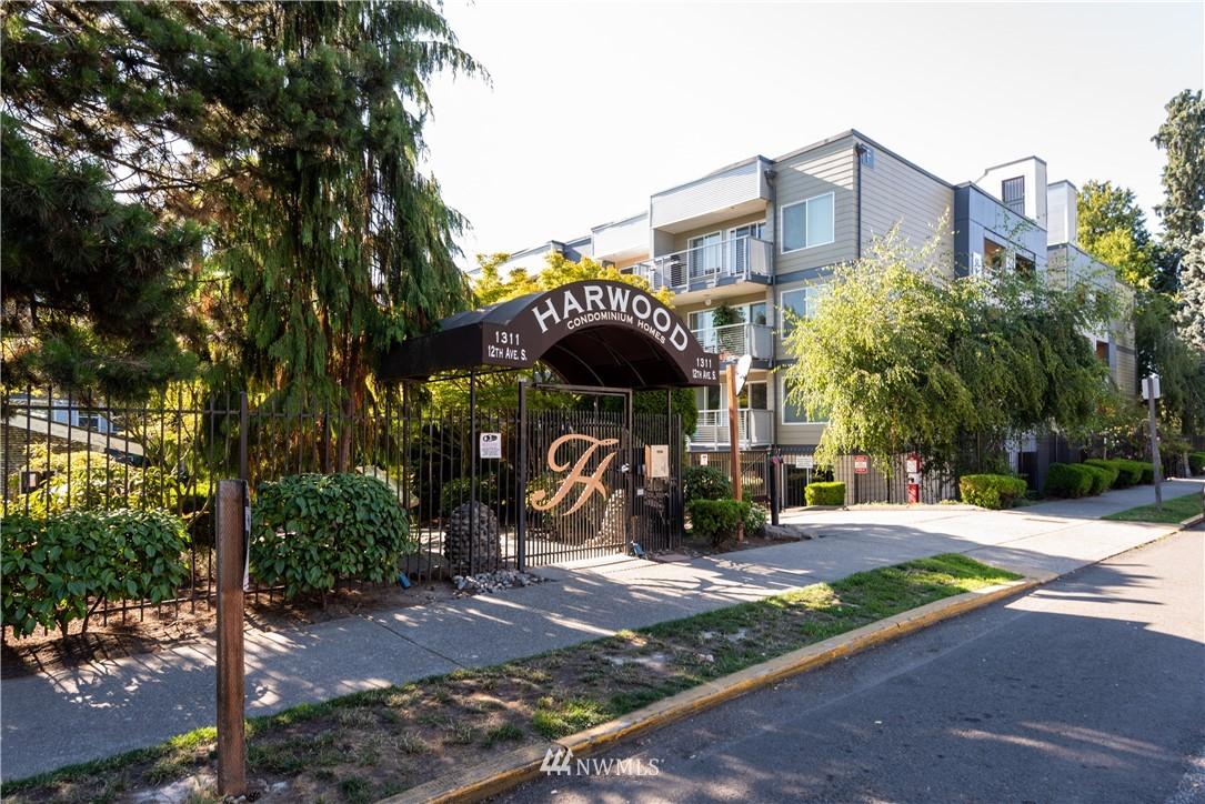 Sold Property | 1311 12th Avenue S #A303 Seattle, WA 98144 23