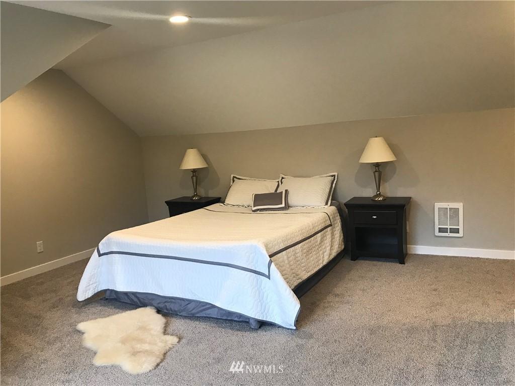Sold Property | 10333 51st Avenue S Tukwila, WA 98178 8