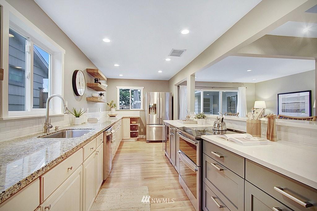 Sold Property   7345 46th Avenue NE Seattle, WA 98115 5