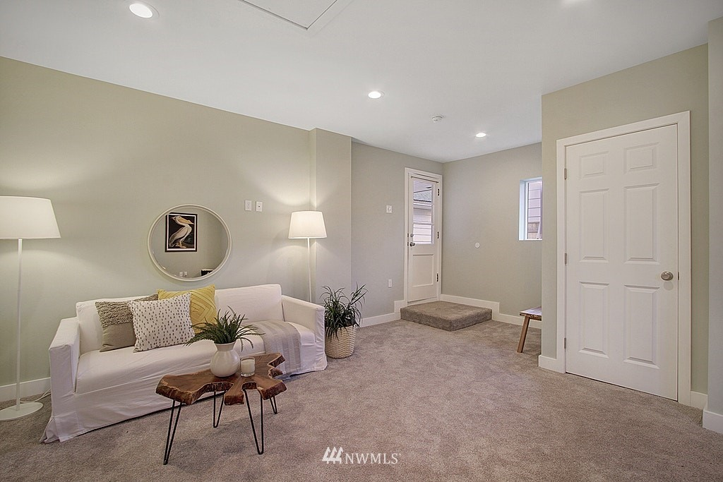 Sold Property   7345 46th Avenue NE Seattle, WA 98115 17