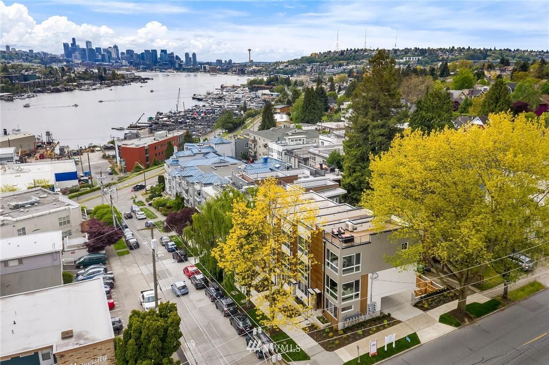 Sold Property | 3943 2nd Avenue NE Seattle, WA 98105 1