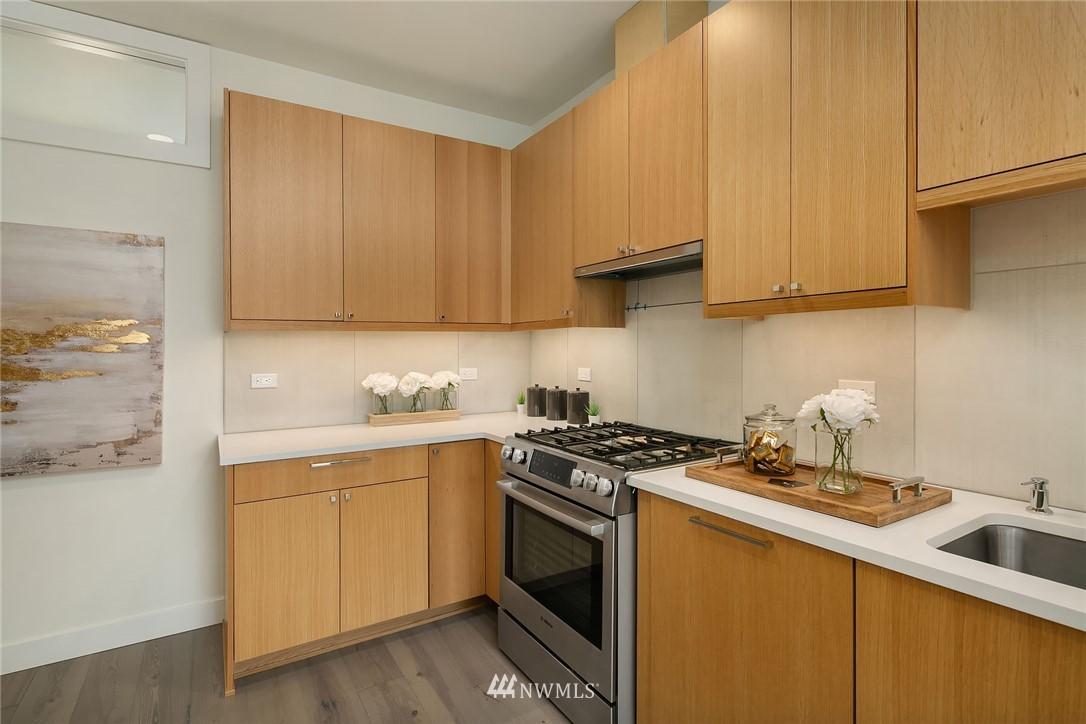 Sold Property | 3943 2nd Avenue NE Seattle, WA 98105 4