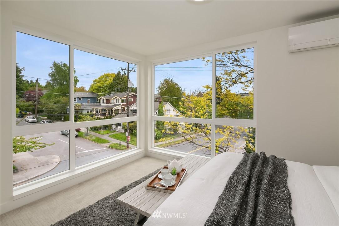 Sold Property | 3943 2nd Avenue NE Seattle, WA 98105 9