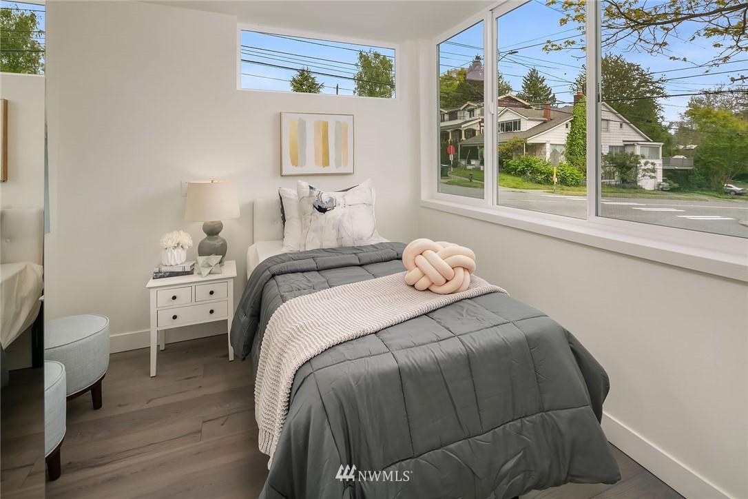 Sold Property | 3943 2nd Avenue NE Seattle, WA 98105 14