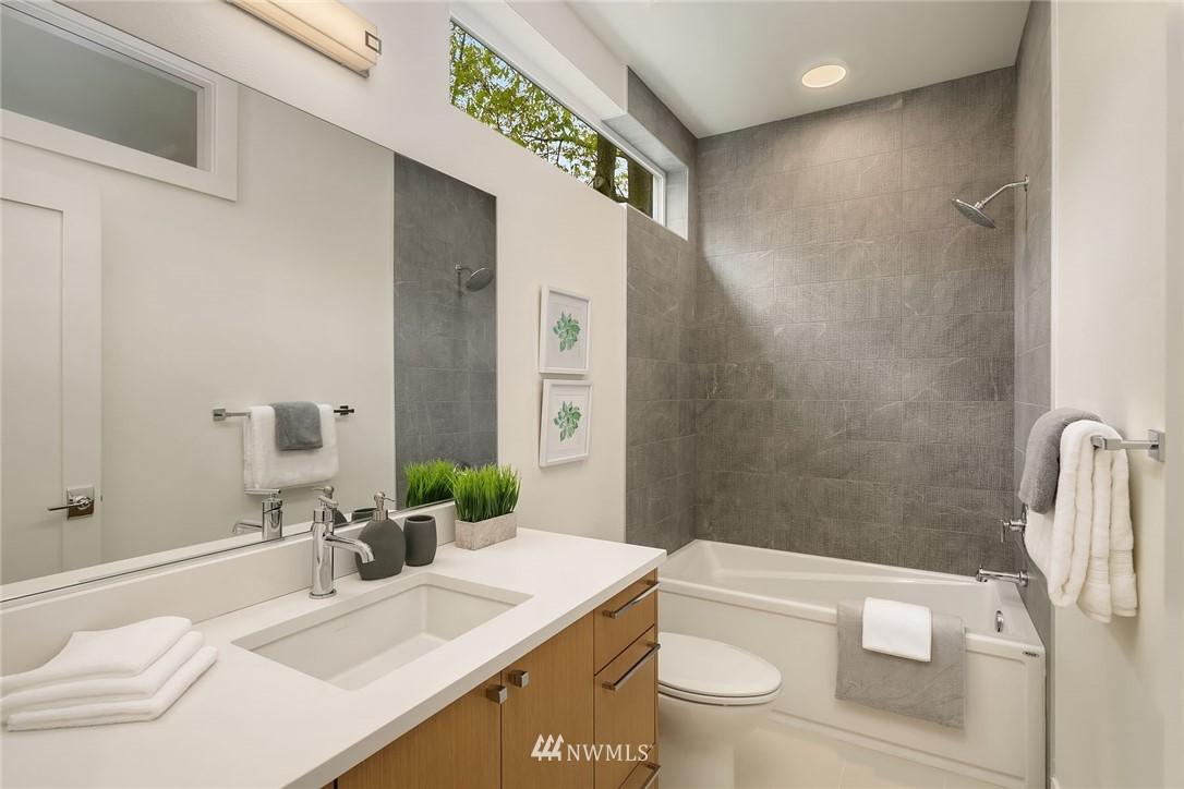 Sold Property | 3943 2nd Avenue NE Seattle, WA 98105 15