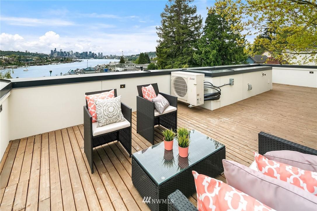 Sold Property | 3943 2nd Avenue NE Seattle, WA 98105 18